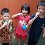 brushing teeth in the right way csf chiang mai childrens aid project